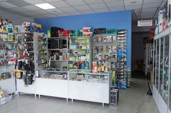 Wnętrze sklepu komputerowego Elkomp